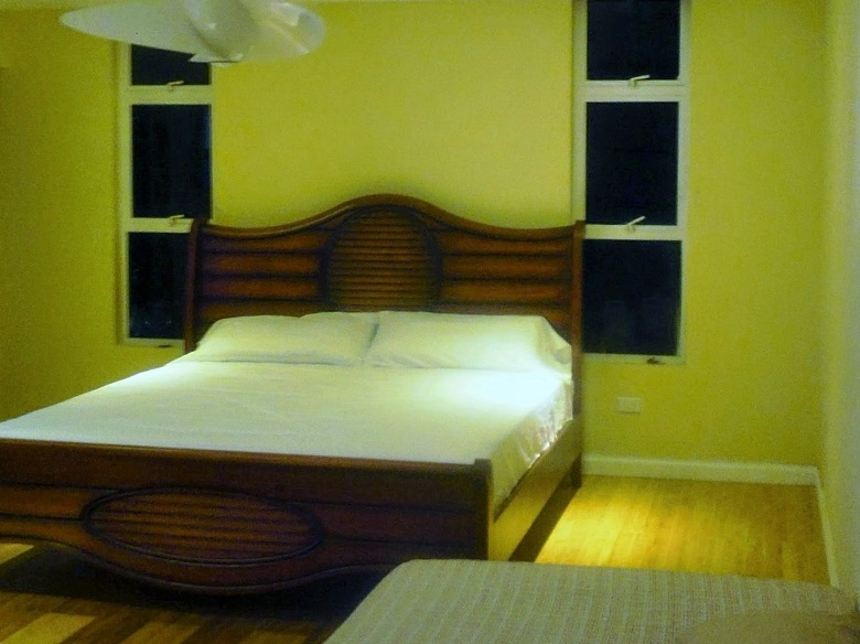 King size bed in  Ocean Front Montego Bay Club #508
